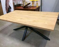 TABLE À DÎNER CHÊNE ET MÉTAL L180