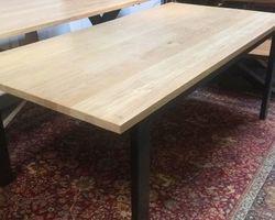 TABLE À DÎNER CHÊNE ET MÉTAL L200
