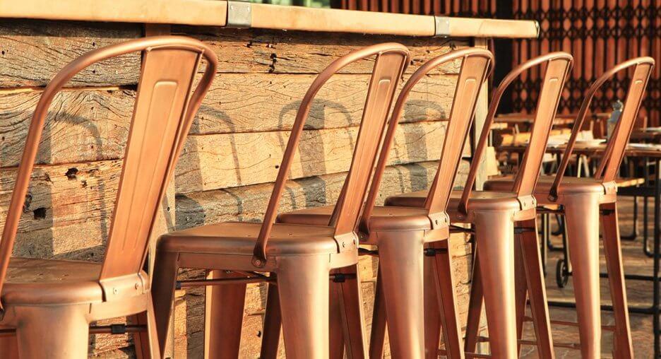 Au Cœur Du Temps Magasin Meubles Et Decoration Vannes Antiquaire Brocanteur Vente Fauteuils En Cuir Chaises Vintage